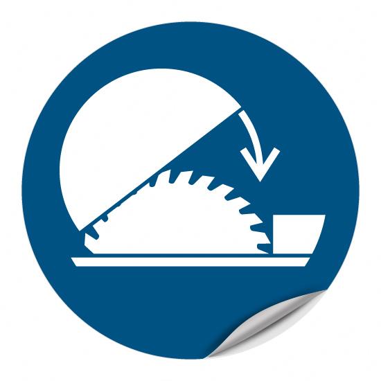 Schutzhaube der Tischkreissäge benutzen M031