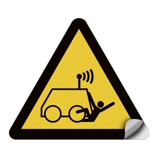 Warnung vor Überrollen durch ferngesteuerte Maschine W037