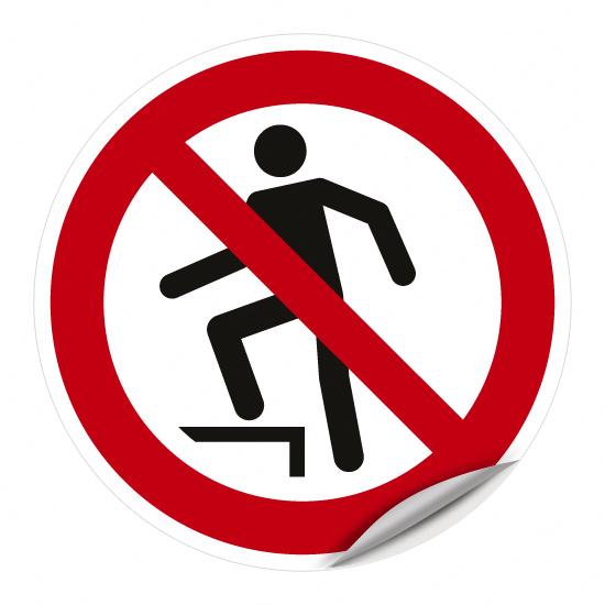 Aufsteigen verboten P019