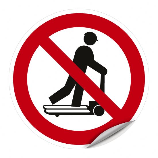 Roller fahren auf Hubwagen verboten
